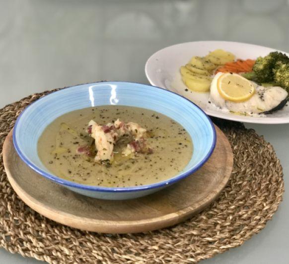 Alcachofas en su crema con gambas y jamón, y merluza con verduras al vapor
