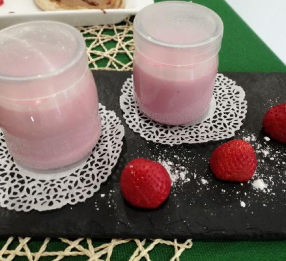 Petit de fresas con gelatina