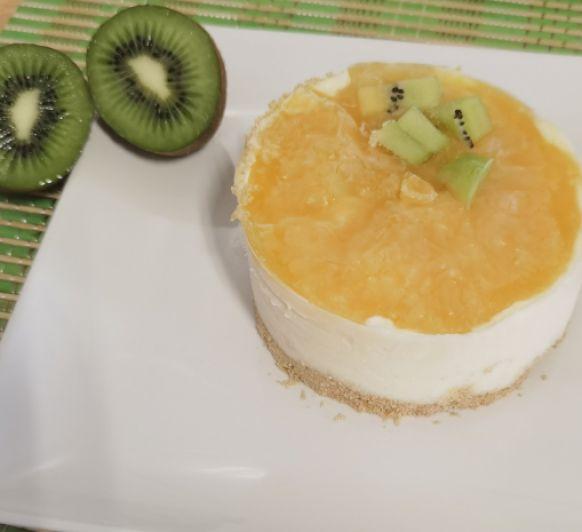 Tartitas de yogur y fruta fresca tropical