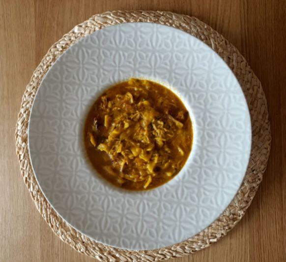 Gazpacho manchego disfruntado de una sabor pero más ligero.