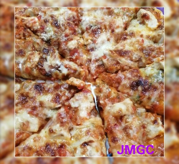 PIZZA DE POLLO Y SALSA BARBACOA