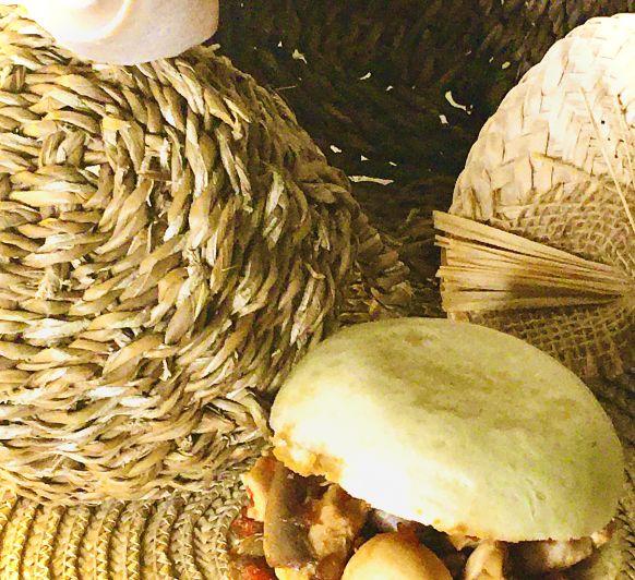 Panes al vapor (Bao buns) con pollo teriyaki