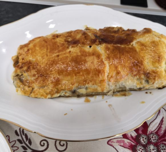 Solomillo Wellington con foie y mermelada de frambuesa (Meater)